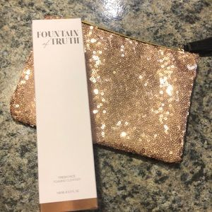 New in box! Fountain of Truth foaming cleanser.